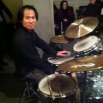 Bao Lao (batteur) accompagne une jam session