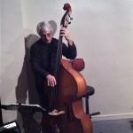 Jean-Max Clairin (contrebassiste) accompagne une jam session