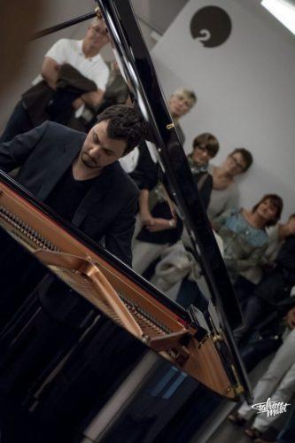 Marc Benhamou, professeur à la Bill Evans Piano Academy